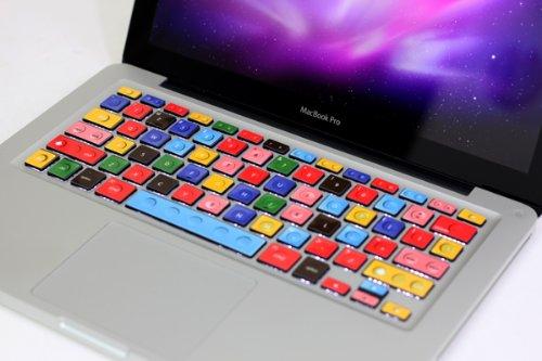 Tastatur im LEGO-Stil für das Apple MacBook Pro.
