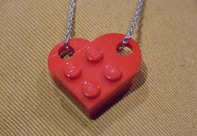 LEGO Herzchenkette (gefunden bei paperblog.com)